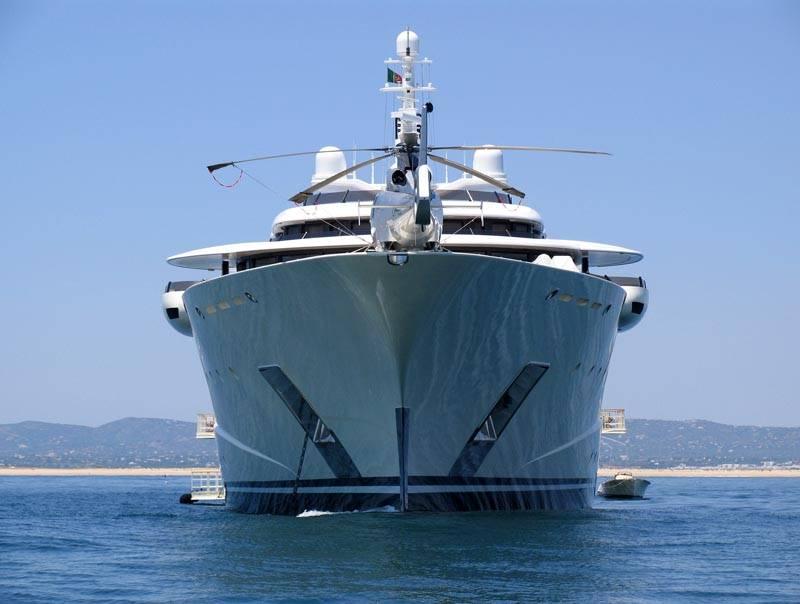 Yachts Pelorus And Le Grand Bleu