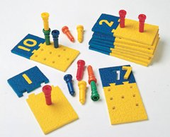 : NUMBER PUZZLE-BOARDS & PEGS 10 BOARDS 55 PEGS STORAGE TUB