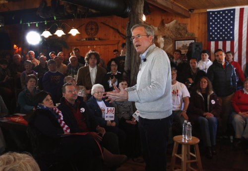 Trailing in Iowa, Jeb Bush looks much more relaxed as a