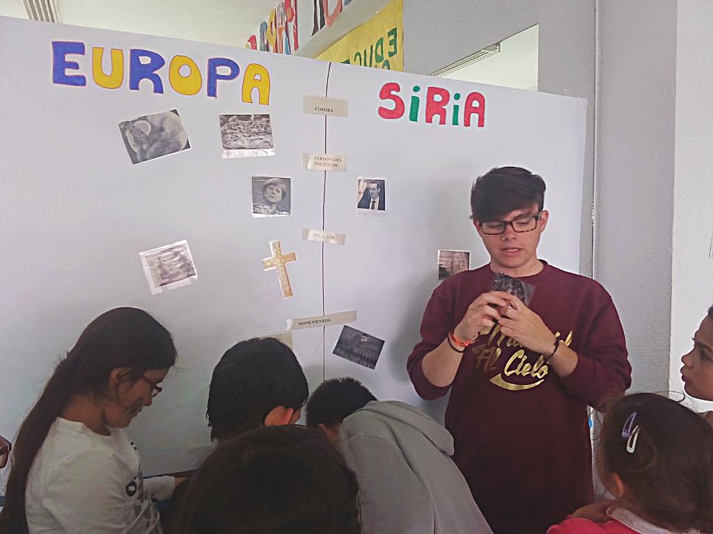 Dentro del Proyecto de 'Hermanadas por la Justicia Social' y como parte de la formación de los estudiantes en prácticas de 'Animación Sociocultural' del IES 'Barrio de Bilbao', el viernes 15 de abril de 2016, los alumnos de 4º de Educación Primaria del Colegio Público 'La Rioja', emprendieron un viaje como refugiados.| Blog 'El Aprendizaje Basado en Proyectos para la Justicia Social'