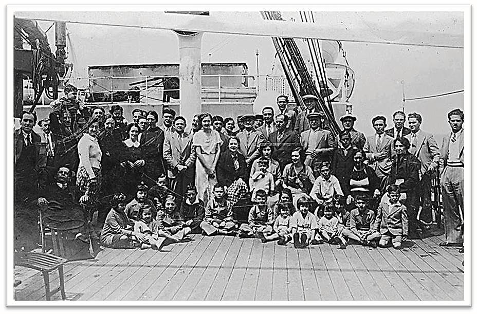 Archivo fotográfico del Muséu del Pueblu d'Asturies  Foto incorporada a la Galería del Proyecto didáctico 'En pie de guerra ¿Periodista o escritor?'