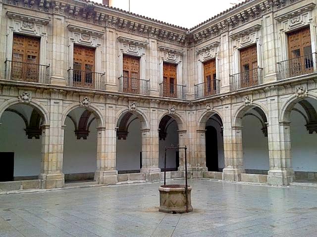Claustro del Siglo XVI del IES 'San Isidro' | Disfrutando de Madrid