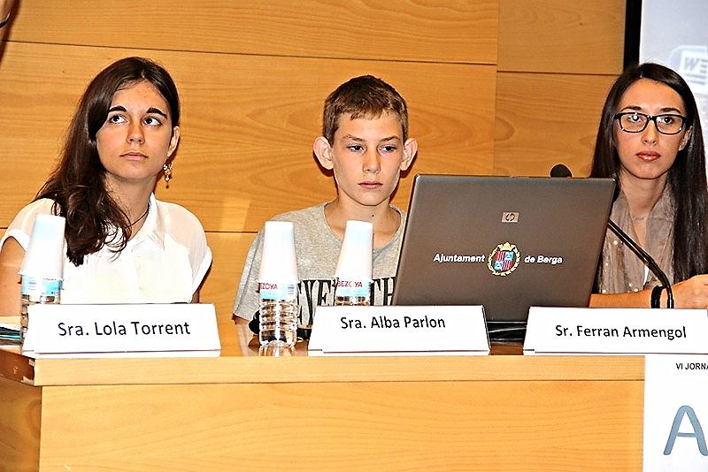 Estudiantes del Instituto de Sils explican los 'Grupos de Servicio' por Lola Torrent Pujolàs - Jueves, 10/09/ 2015.