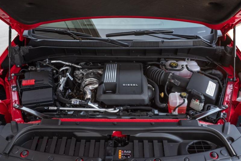 2020 Chevrolet Silverado 1500 Diesel Under the Hood