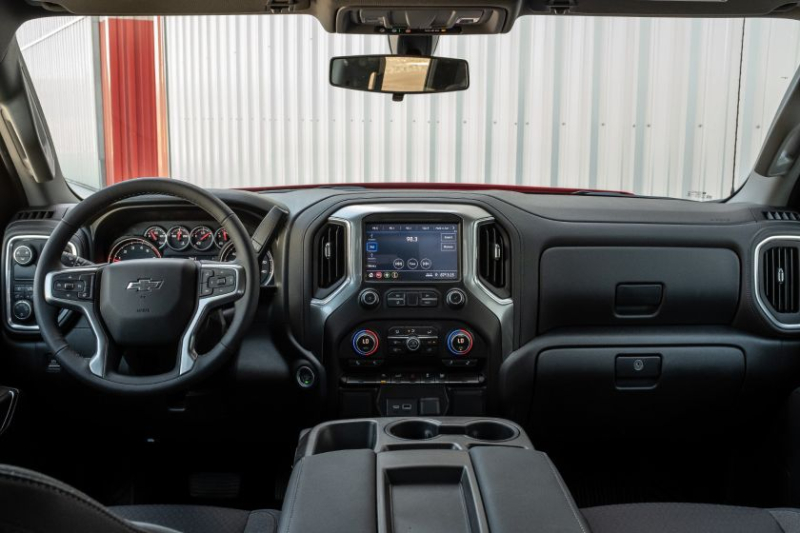2020 Chevrolet Silverado 1500 Diesel Cockpit