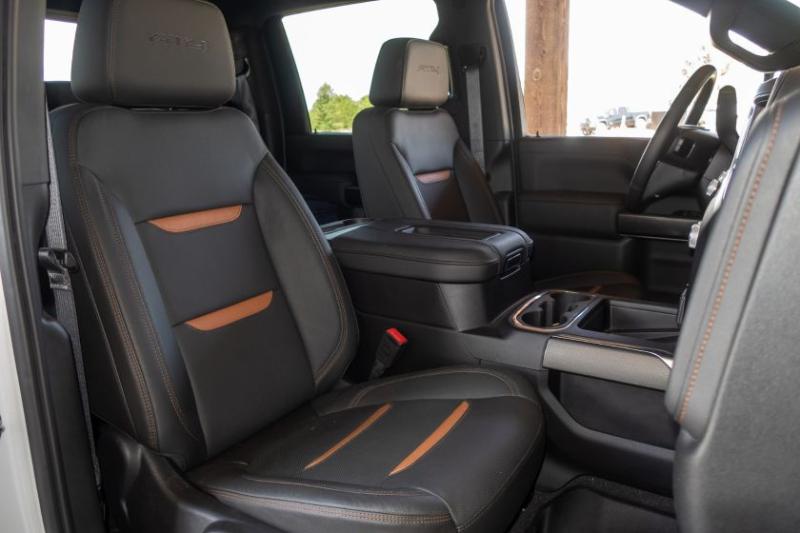 2020 GMC Sierra 2500 Front Seats