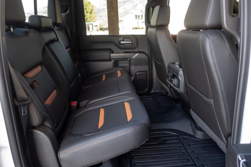 2020 GMC Sierra 2500 Backseats