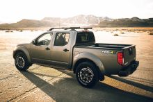 2020 Nissan Frontier Gives Us a Taste of the Upcoming Redesign