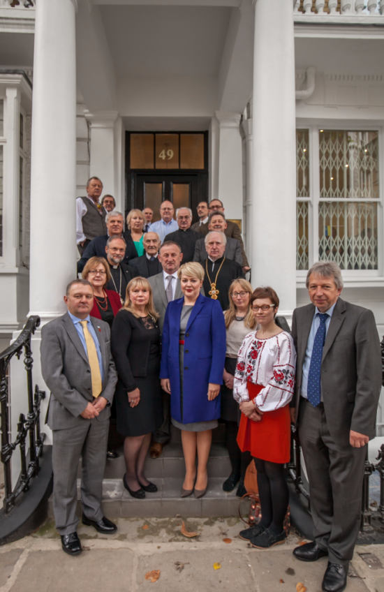 Speakers at the 2016 AUGB conference standing on the steps of the AUGB headquarters