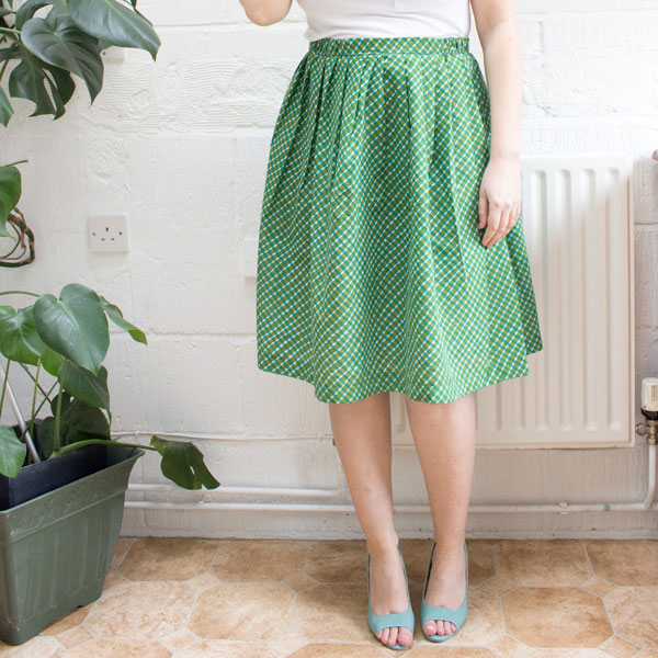 Gathered Skirt tutorial via Tuts+
