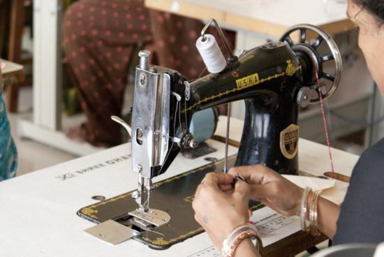 (c) Johny Joseph / Trabajadoras de Creative Handicrafts, cooperativa de comercio justo de textil y artesanía de Mumbai
