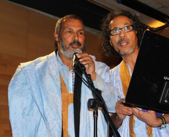 Los poetas Bunana Buseif y Bahia M. Awah