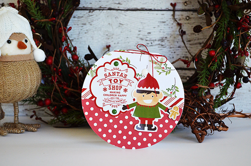 "Circle shaped Christmas cards by @wendysue with the ""I Love Christmas Collection"" by #EchoParkPaper"