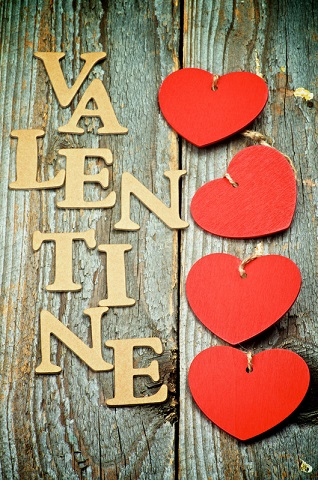 Four-Red-Hearts-In-a-Row-with-Word-Valentine